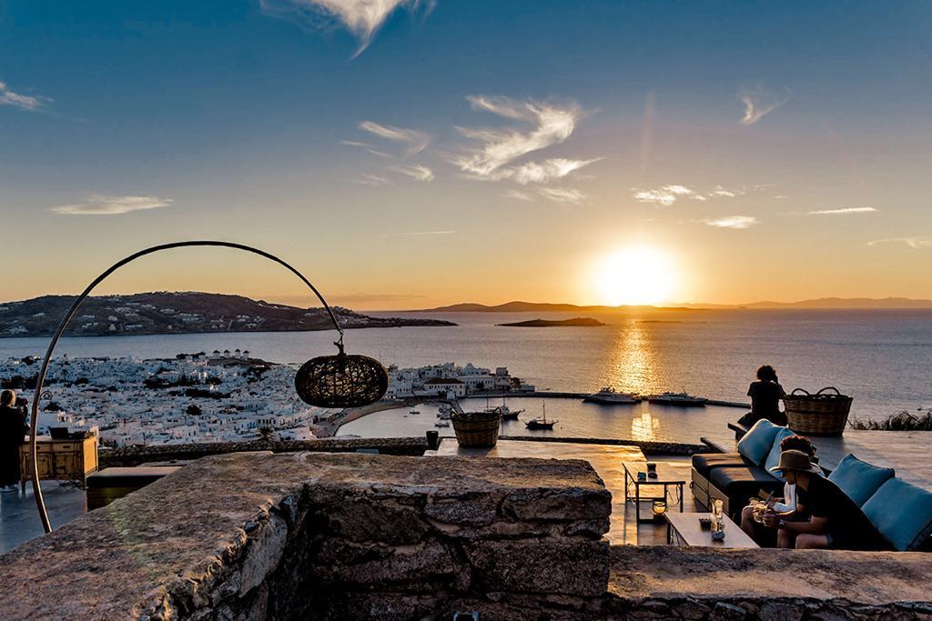 180º Sunset Bar in Mykonos